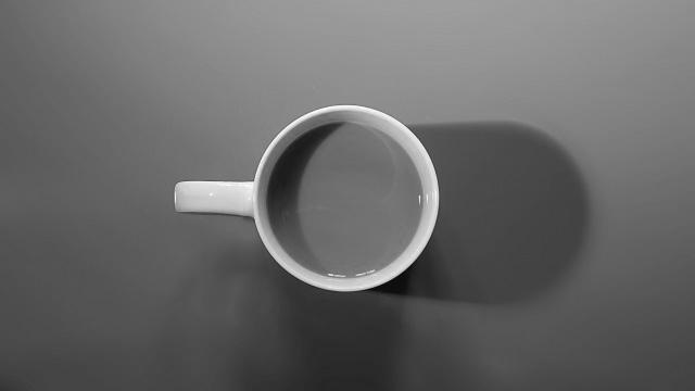 コーヒーカップ モノクロ